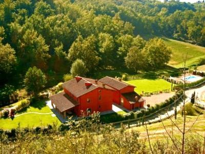 Casa Rossa Villa with private  pool, sauna and park in Tuscany