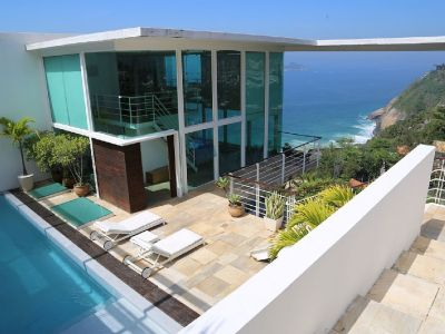 House of Dreams in the Joa - Stunning Views - Luxury modern design and features
